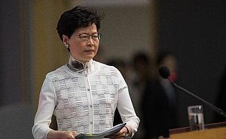 Hong Kong'da hükûmetten geri adım