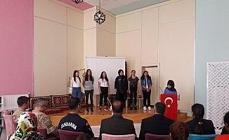Jandarma kuruluş yıl dönümünü çocuklarla kutladı