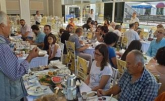 Ödemiş Koza-Der'den dayanışma kahvaltısı