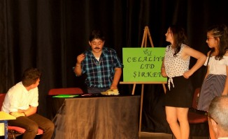 Öğrenci ve veliler İngilizce performanslarını sergiledi