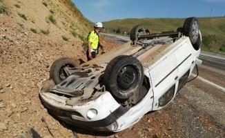 Otomobil takla attı:6 yaralı