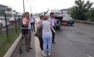 (Özel) E-5'te kadın sürücüyü gözyaşlarına boğan zincirleme kaza