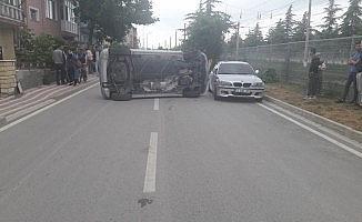 Park halindeki otomobile çarptı; 1 yaralı