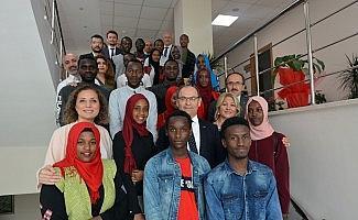 Rahmi Er, Ruandalı öğrencilerle buluştu
