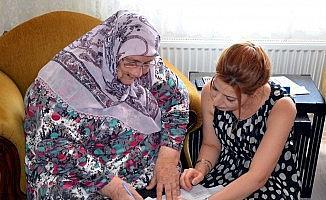 Şeker hastası yaşlı kadın gelemeyince Dicle Elektrik ayağına gitti
