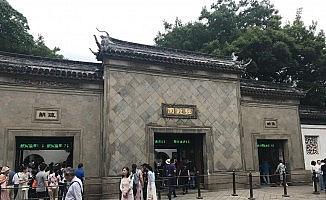 Tarihi Çin bahçelerine turist akını