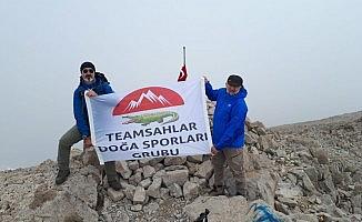Timsahlar 2992 metrelik Dedegöl zirvesinde