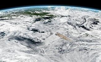 Volkan patlaması uzaydan fotoğraflandı