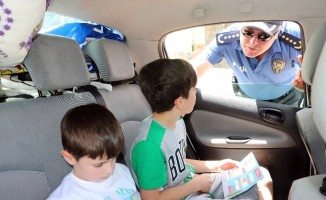 Yozgat'ta sürücülerin denetlenmesi için çocuklara 'sürücü seyahat karnesi' dağıtıldı