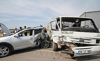 Ayvalık'ta kaza: 4 yaralı