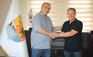 Erzinspor Teknik Direktör Cüneyt Karakuş ile anlaştı
