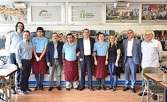 Kardeş şehir Ayvalık Belediyesi'nden Tepebaşı'na ziyaret
