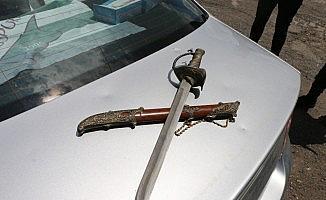 Kars'ta uygulamada kılıç ele geçirildi