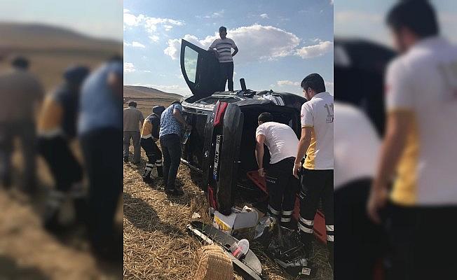 Kırıkkale'de otomobil takla attı: 2 yaralı