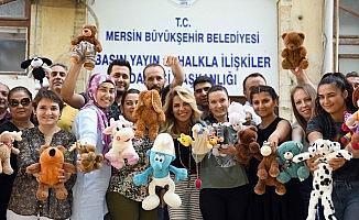 Mersin'de 'Kullanmadığımız oyuncakları saklamıyoruz paylaşıyoruz' kampanyası