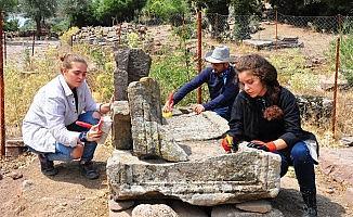 (Özel) Aigai'deki mezarlar kentin kimliğini ortaya çıkarak
