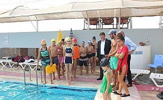 Samandağ'da yüzme kursu başladı