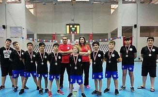 Spor A.Ş Gençlik ve Spor Kulübü kupalar ile döndü