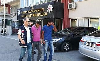 Yollardaki mazgalları çalan 3 kişi kaçamadan yakalandı