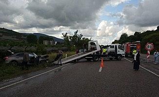 Zonguldak'ta iki araç çarpıştı: 3 yaralı