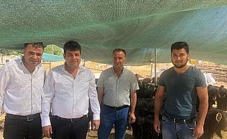 Başkan Çakmak kurban satıcılarıyla bir araya geldi