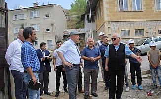 Başkan Pekmezci, Karasakal Mahallesi'nde incelemelerde bulundu