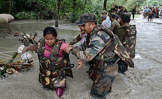 sel ve heyelanlarda 40 kişi öldü