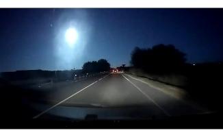 İtalya'da düşen meteor gökyüzünü aydınlattı
