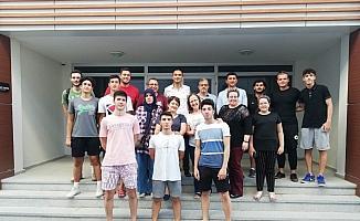 Manisa'da basketbol altyapı sporcuları ve aileleriyle istişare toplantısı