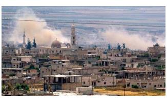 Suriyeli isyancılar Hama'nın kuzeybatısını terk ediyor