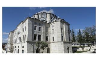 Tarihi camiye büyük saygısızlık! Mahzenler 'kafeye' çevrildi