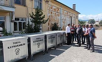 Tosya Kaymakamlığından köylere çöp konteyneri