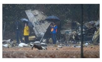 Uçak düştü FOX TV muhabiri öldü
