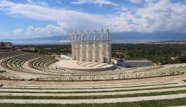Burhaniye'de amfi tiyatro inşaatında sona yaklaşıldı