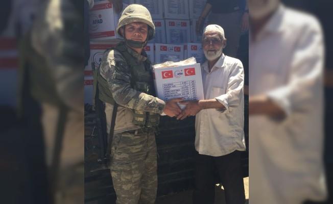 AFAD, Türk Kızılayı ve Mehmetçikten Afrin halkına sıcak yemek