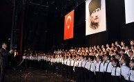 Türk ve yabancı öğrenciler aynı koroda şarkı söyledi