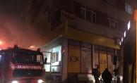 Fatih'te market deposunda yangın