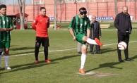 Gençlerbirliği idmanda görme engelli futbolcuları ağırladı