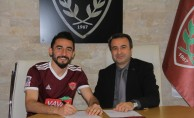 Hatayspor'da 2 futbolcunun sözleşmesi uzatıldı