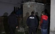 Hırsızlık için tuvalet penceresinden eve giren şüpheliler yakalandı