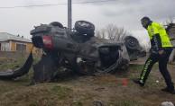 İran uyruklu ailenin otomobili şarampole devrildi: 4 yaralı