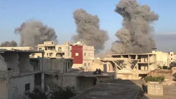 Esed rejimi İdlib'de bayram alışverişi yapan sivilleri vurdu